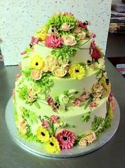 #wedding #wedding cake#flowers photo by Katjas Cakes