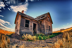 The old house in the golden grass photo by Etownbeatdown