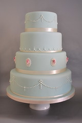 Rose cameo and pearls wedding cake photo by madebymariegreen