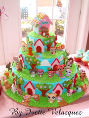 Little Pets Birthday Cake photo by Art Cakes