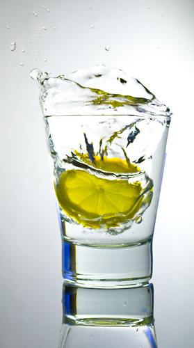 Lemon Splash photo by HERNANTIPA