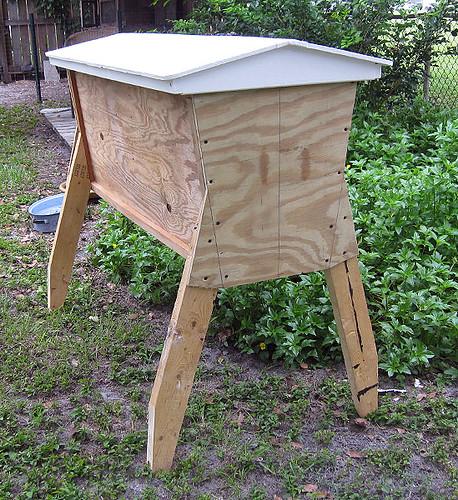 Top Bar Bee Hive Consturction