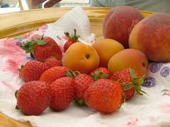 strawberry,apricot,peach