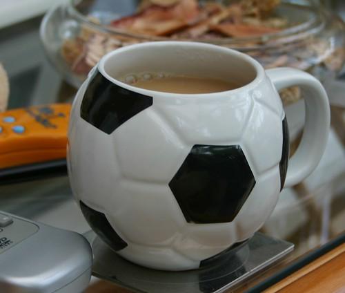 08footballmug