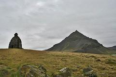 Bárður and Stapafell