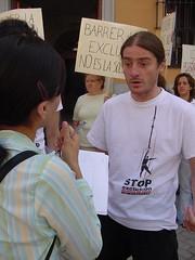 stop exclusión 02