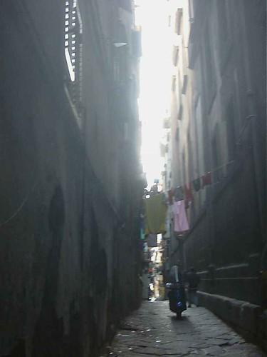 vicolo del centro storico di Napoli