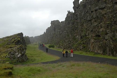 Gorge_@_Thingvellir,_Iceland_5.jpg