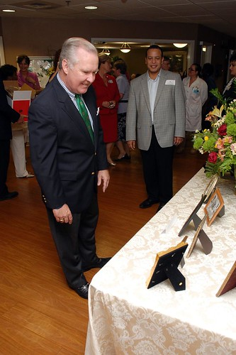 Mayor Bob Buckhorn Visits Canterbury Tower