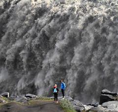 Við Dettifoss photo by Sverrir Thorolfsson