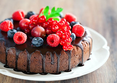 Chocolate Cake with berry photo by laperla2009