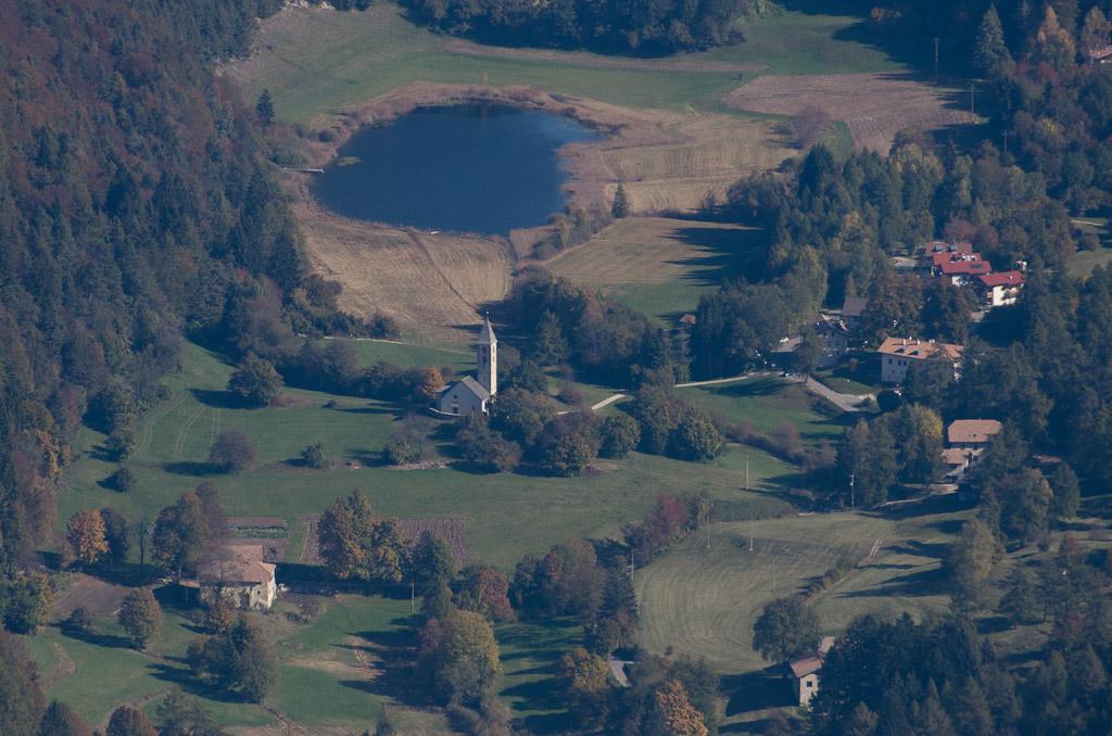 Fennberg Kirche und See
