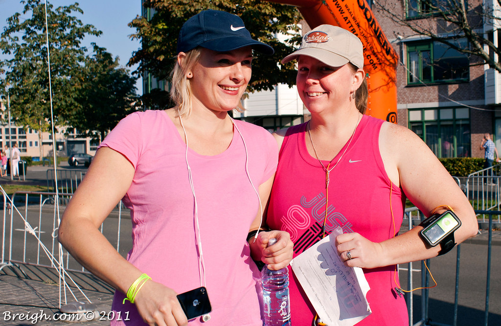 Suzanne & Penny Before The Race