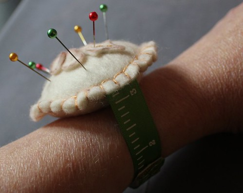 Mince Pie Wrist Pincushion