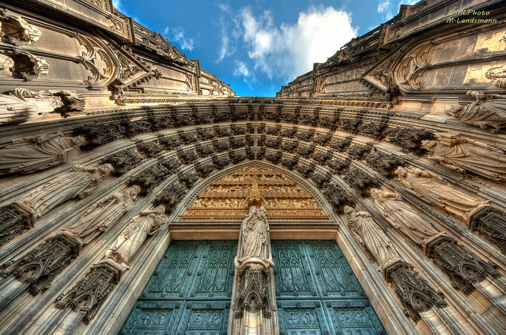 Cologne cathedral photo by .Markus Landsmann
