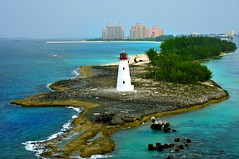 Paradise Island Lighthouse (Hog Island) Nassau photo by john.blake89