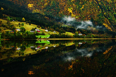 **Autumn Reflections** photo by **klaracolor**