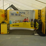 Waveline back wall and branded expo walls creat an attention grabbing stand at the Homeshow. This all packs into 4 carry bags.