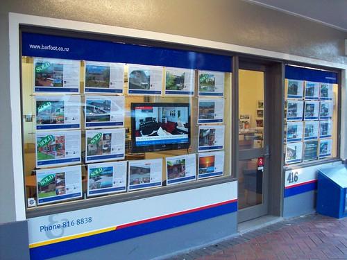 Portable Exhibition Flooring : Window displays portfolio brandstand