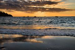 Le nuvole sono cadute sulla sabbia. Clouds on the sand. photo by neera*