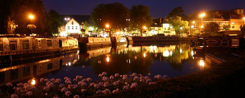 Stratford canal at night