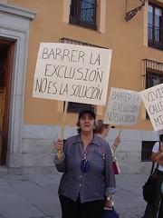 stop exclusión 01