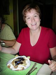 Hélène et ses crêpes fourrées aux framboises