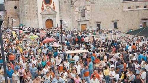 Mark in Mexico Oaxaca teachers strike 15 http://markinmexico.blogspot.com/, moderate to conservative opinion on news politics government and current events. News and opinion on Mexico.