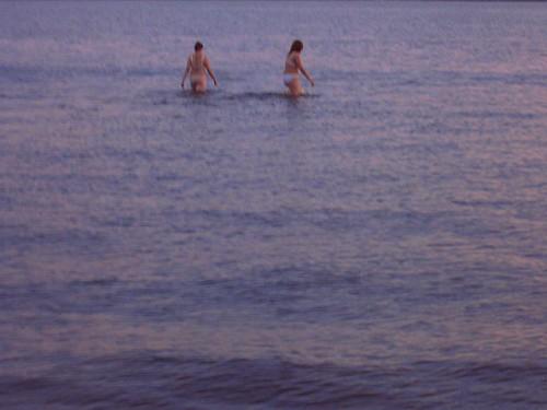 Гуляющие по воде / Walking upon water