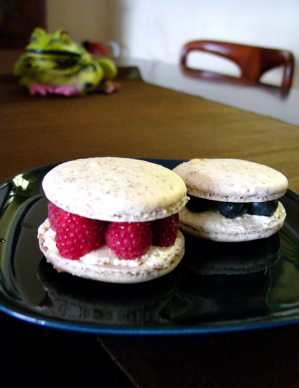fourth of july berry macarons