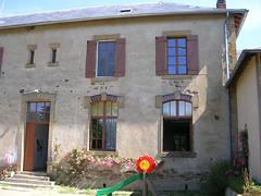 Skolan i Saint-Etienne-sur-Usson känd från filmen Etre et avoir