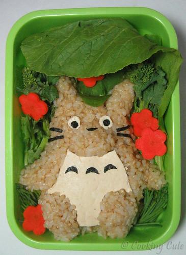 [bento with Totoro-shaped brown rice onigiri]