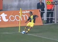 Borussia Dortmund vs. Tottenham Hotspurs: Ecke durch Steven Pienaar