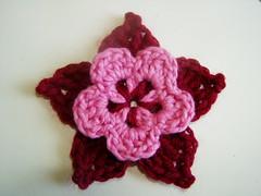 Jolie fleur au crochet par SkaMama's Bone Hook