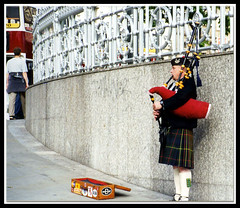 """BAGPIPER"" - Edinburgh, Scotland photo by mambo1935"