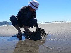 Mo, building a sandcastle