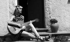 La musica aiuta a non sentire dentro il silenzio che c'è fuori. (Johann Sebastian Bach)