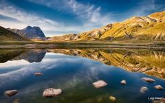Gran Sasso riflesso nel lago Pietranzoni