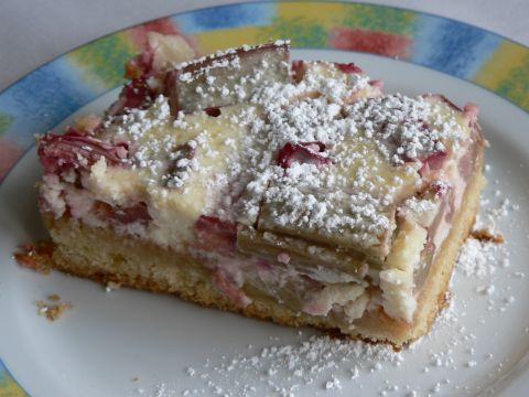 Rhubarbcake with Quark-topping