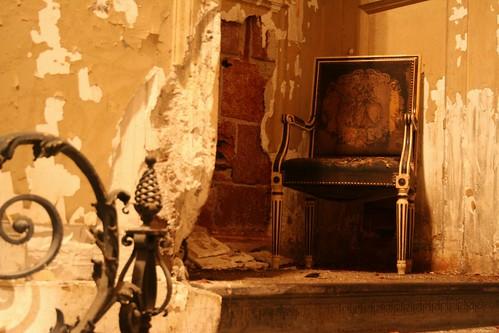 dethroned throne