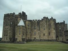 alwnick castle