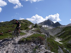 Karl, perfect Alpine singletrack, by Spakman