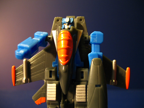 Legends of Cybertron Thundercracker