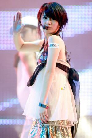 Hebe Tien, SHE