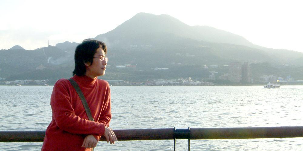 roxytom at the riverside, Dec 2004