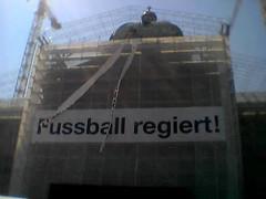 fussball regiert ... ??? ... nicht genug