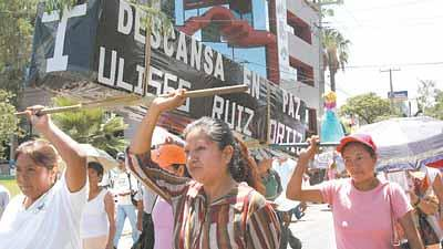 Mark in Mexico Oaxaca teachers strike 2, http://markinmexico.blogspot.com/, moderate to conservative opinion on news politics government and current events. News and opinion on Mexico.