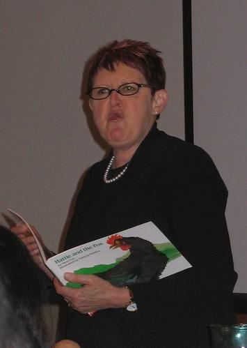 mem Fox reading Hattie and the Fox