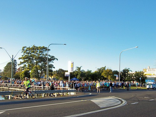 10 minutes before the start of the Woy Woy to Gosford Fun Run