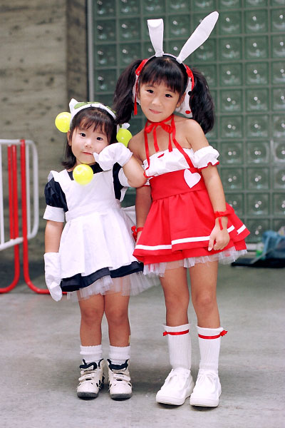 These pedalicious little DiGi Charat Cosplayers disapprove Haruki Murakami's ways.